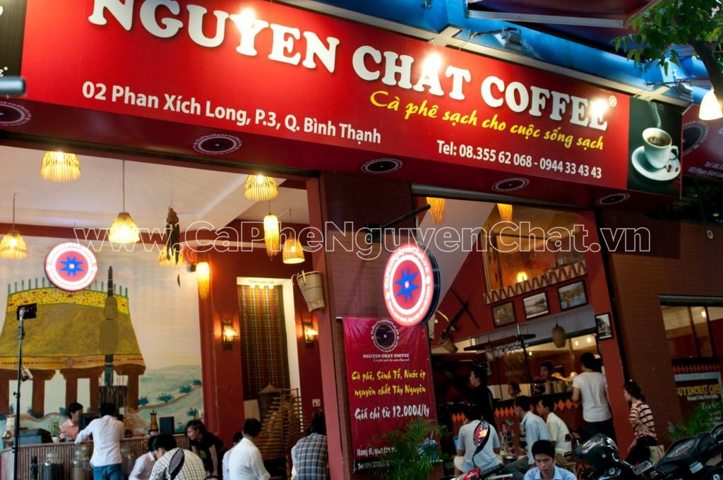 Chuoi-quan-ca-phe-sach-cua-Nguyen-Chat-Coffee