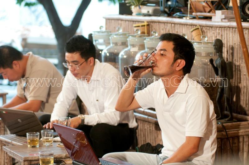 Cafe nguyên chất kích thích hoạt động trí óc