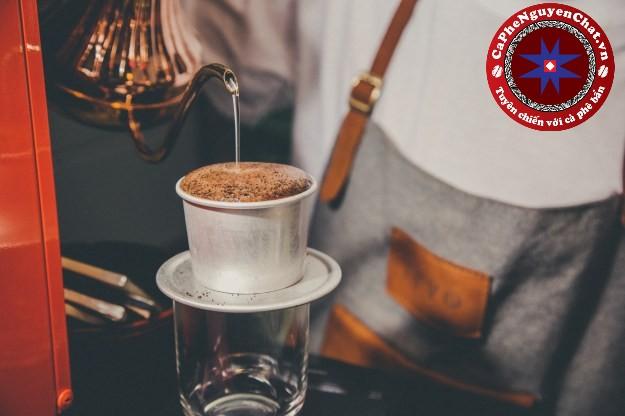 Cùng theo chân Nguyên Chất Coffee tìm hiểu cách pha chế cafe ngon , đúng cách.
