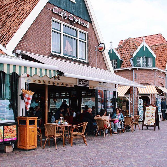 Một quán cà phê vỉa hè ở Đức
