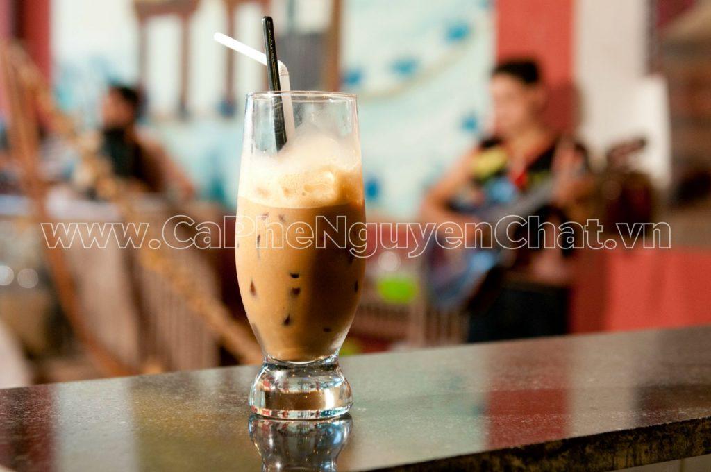 Bí quyết làm quán cafe thu hút khách hàng
