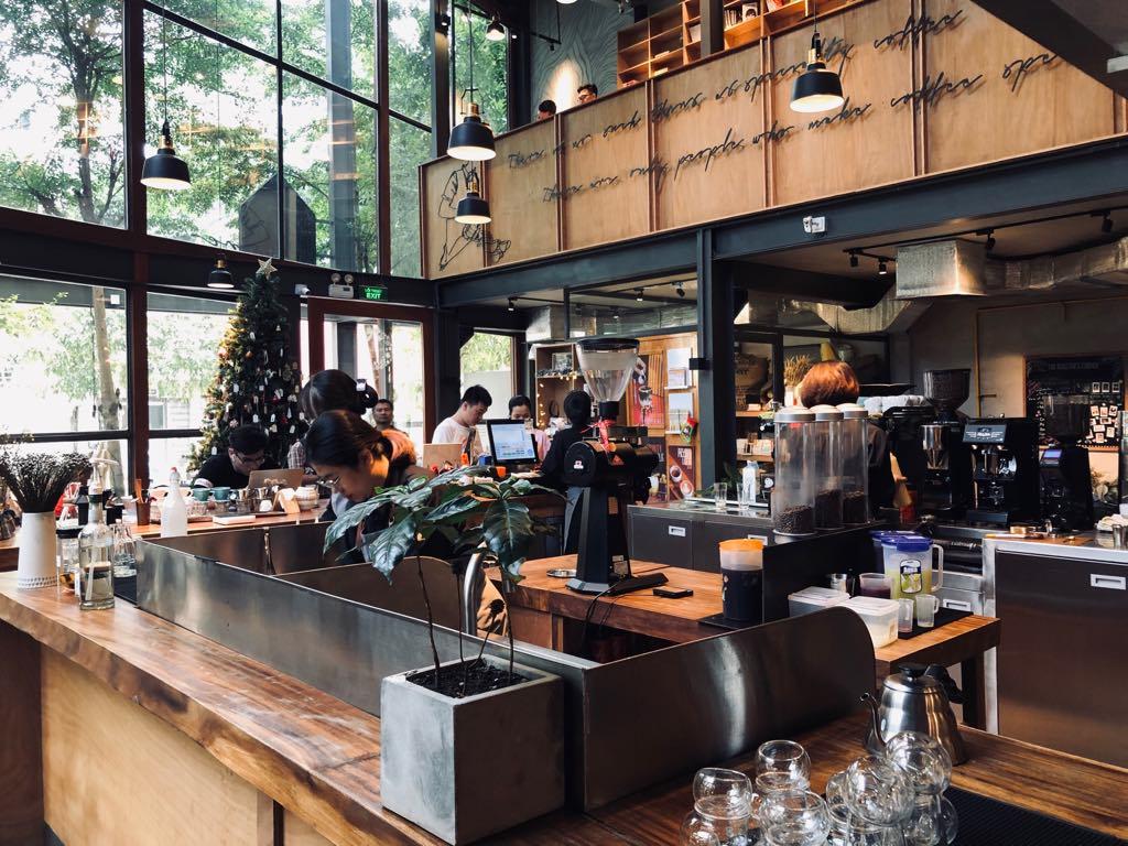 Những tuyệt chiêu giữ khách, khiến khách hài lòng quán cà phê nhờ nhân viên thu ngân